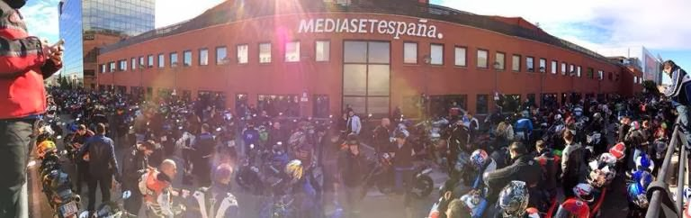 Cientos de moteros se manifiestan en toda espa a para for Oficinas movistar valencia