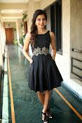 Samantha glam pics in black-thumbnail-3