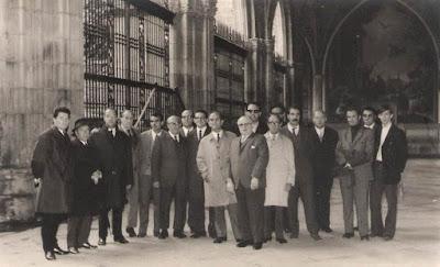 Concentración de algunos jugadores participantes en el VIII Campeonato de Ajedrez de Educación y Descanso 1956 (2)