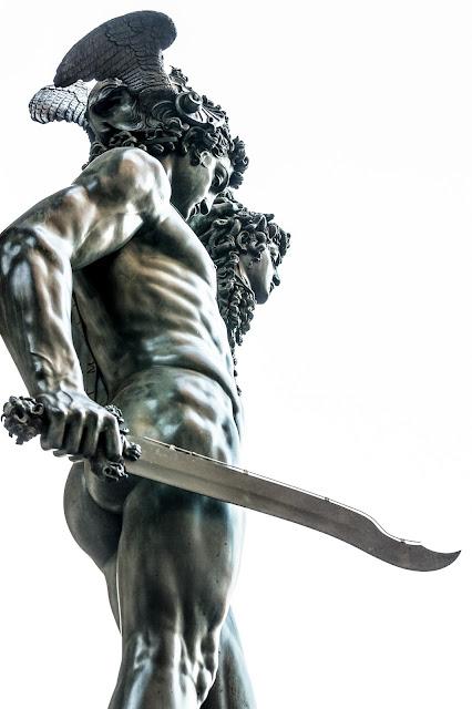 Perseo con la Cabeza de Medusa (Benvenuto Cellini) :: Canon EOS5D MkIII | ISO200 | Canon 70-200@70mm | f/5.6 | 1/25s