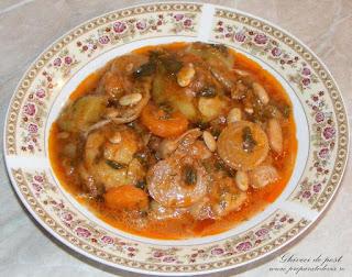ghiveci de legume, fasole pastai cu morcovi rosii ceapa si dovlecei, retete de post, retete culinare, retete de mancare, mancaruri de post, mancare de post, mancare de fasole pastai, ghiveci taranesc de legume de post, retete cu ceapa verde, retete cu legume, retete de legume, preparate din legume, preparate din ceapa verde, preparate din fasole pastai, preparate culinare,