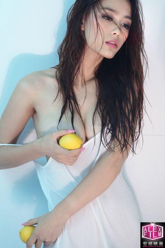foto hot model cina li sha sha gudang kimcil