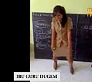 Heboh Video Ibu Guru SD Dugem di Kelas