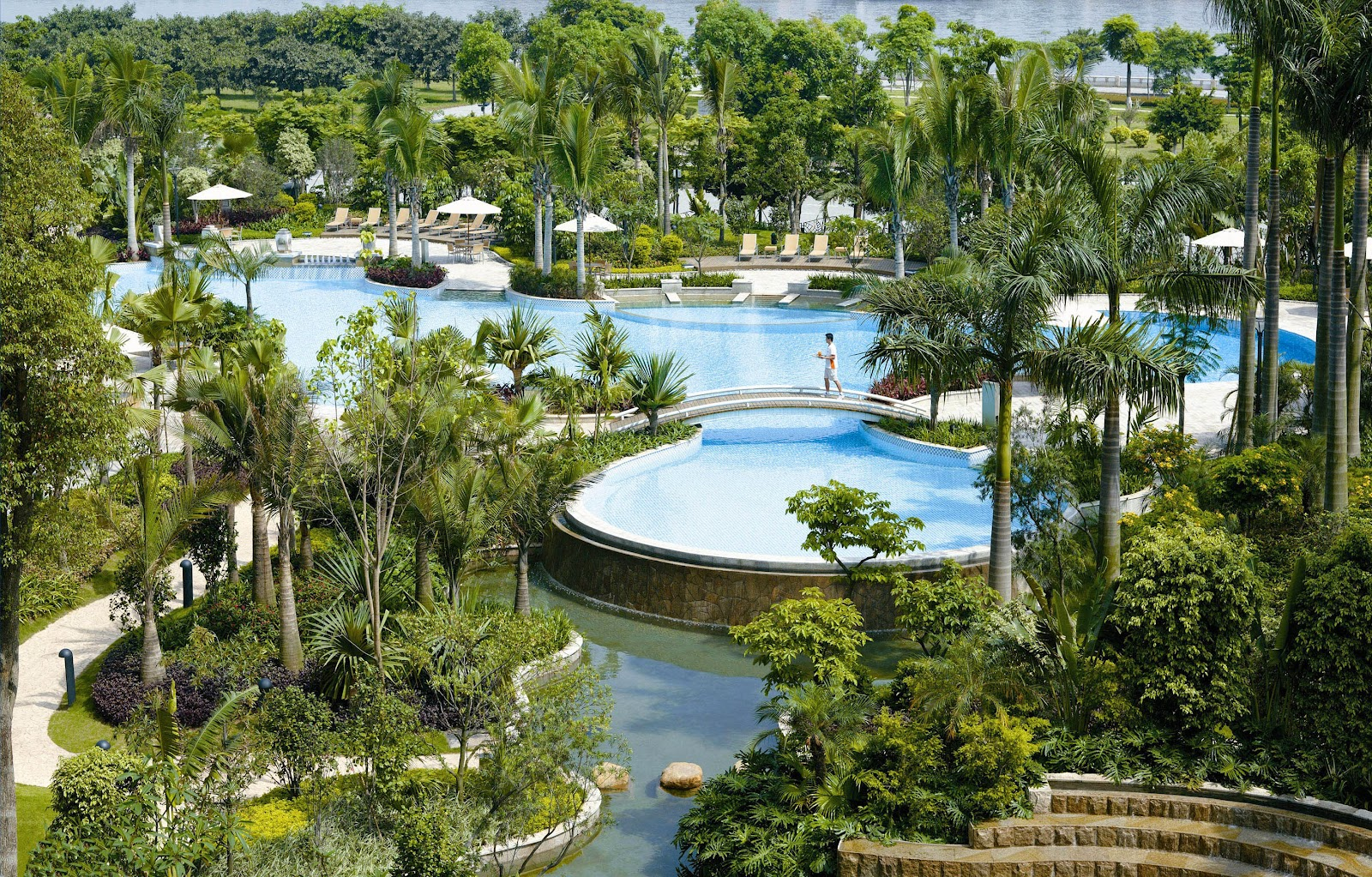 Restaurant review bangkok mostly all around the - Hotels with saltwater swimming pools ...