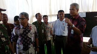 Kunjungi TPS Di Kabupaten Pekalongan, Ganjar Janji Beri Uang Yang Bisa Tangkap Pelaku Money Politik