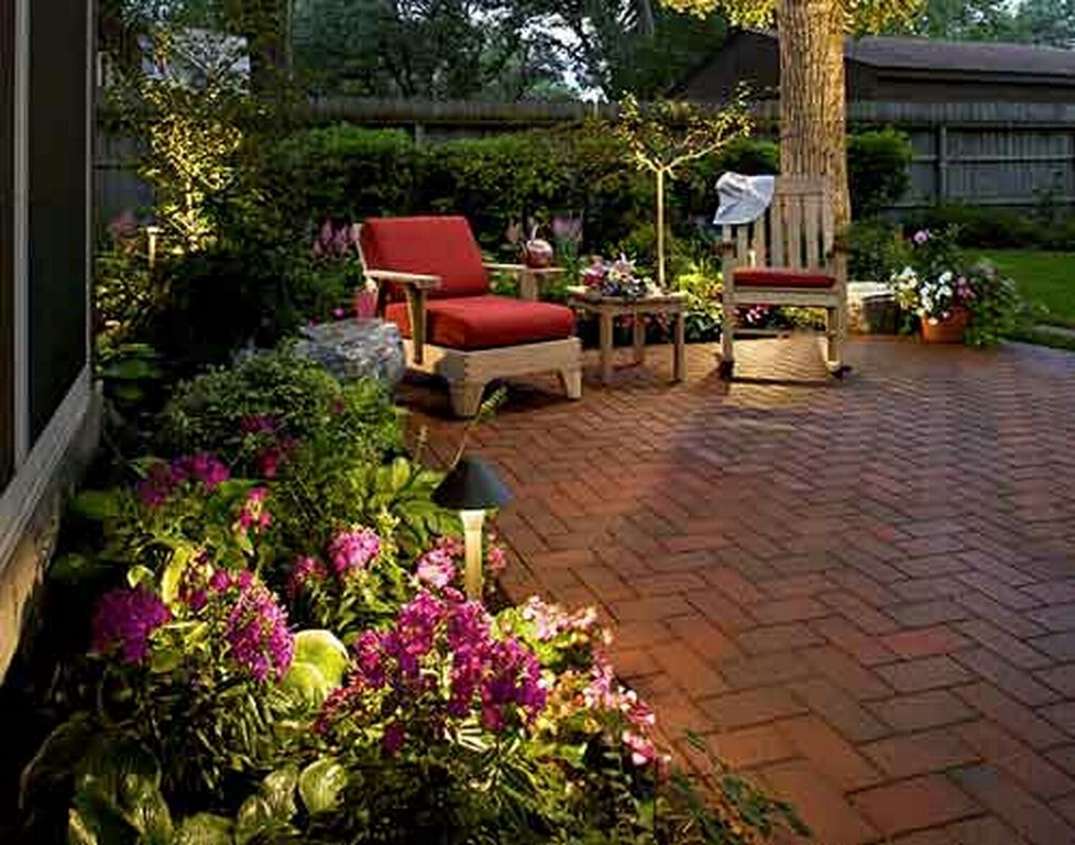 New home designs latest modern homes garden designs ideas for Small yard landscaping