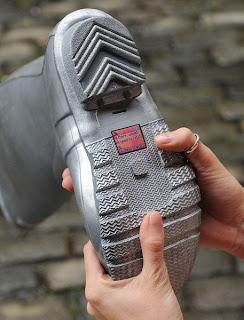 Ponsel Sepatu 2013 3