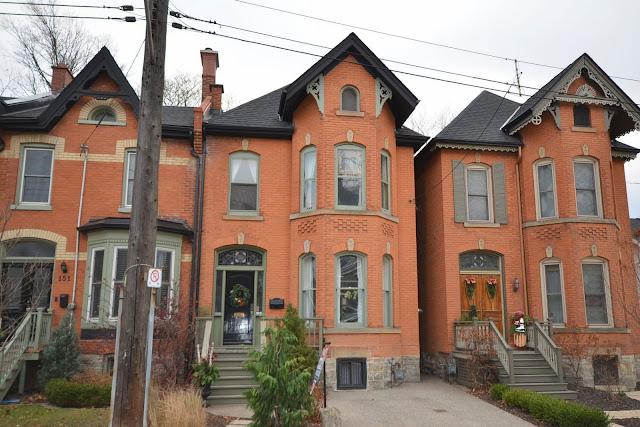http://beta.realtor.ca/propertyDetails.aspx?PropertyId=13877996