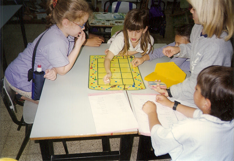 """התלמידים לומדים להכין משחקים. חט""""צ תל נורדאו"""