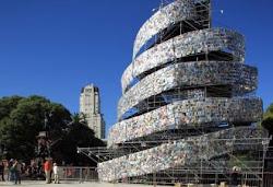 La torre de libros (Marta Minujín)