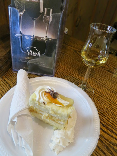 Vieni Vidal Icewine and Cake