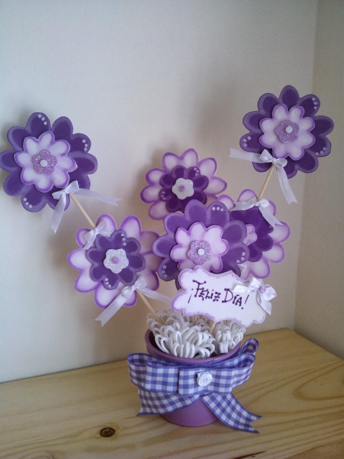 Cucadas de mami flores de goma eva en macetas para regalo for Adornos para macetas