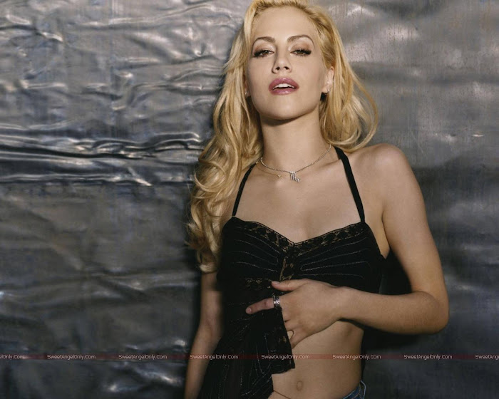 Brittany Murphy HD Wallpaper -04