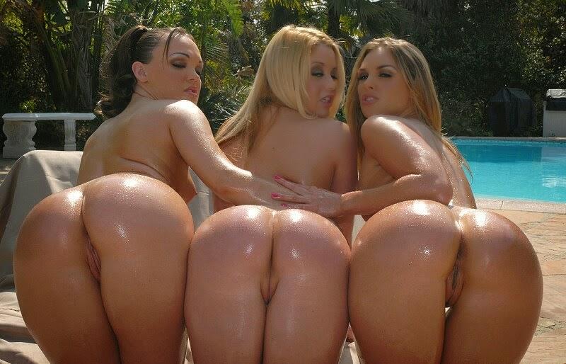Drei nackte Ärsche drall und prall