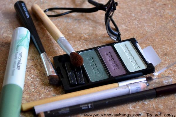 Wet n Wild EOTD FOTD Makeup Looks Cool As Cucumber Eyeshadow Palette Summer Peach Pink lips blush