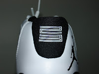 Air Jordan XI (11) - Concord