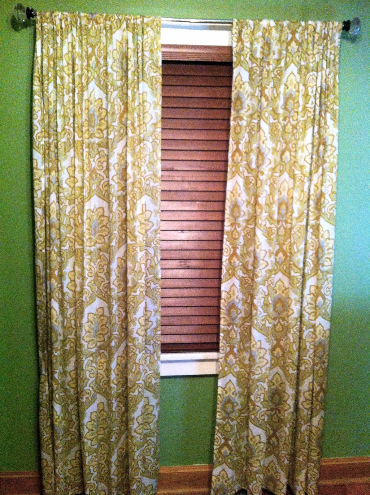 Fast Track Your Bed Sheet Curtains Roole