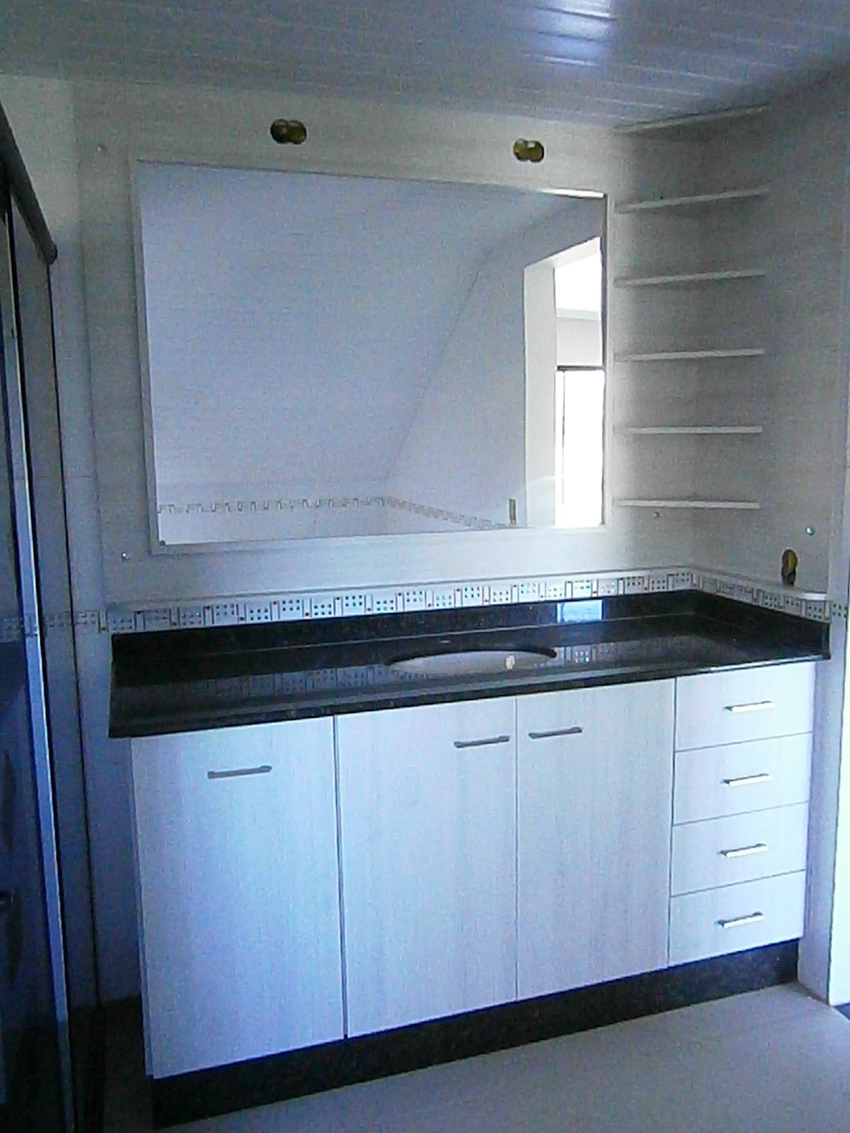 Armário para banheiro em MDF marfim com tampo em mármore! #356696 1200x1600 Balcao Banheiro Suspenso