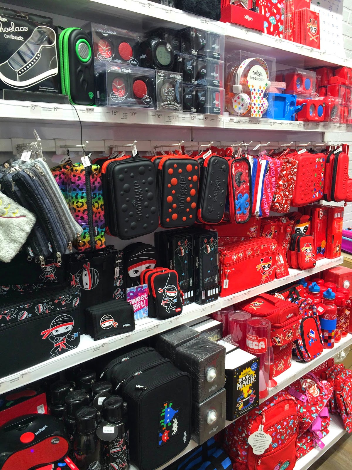 Smiggle Black and Red