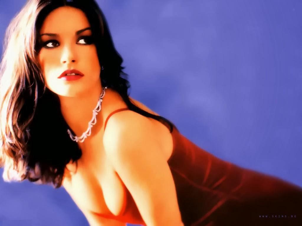 sarah chalke sexy