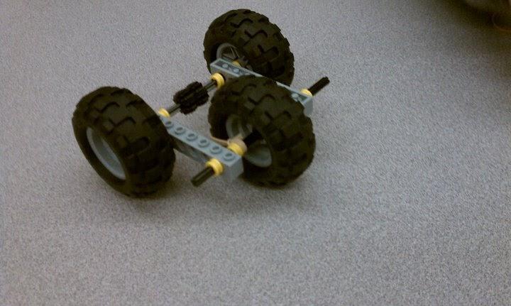 Team Lego: Rubber Band Car