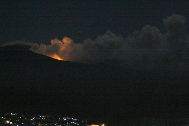 http://4.bp.blogspot.com/-kFtyZTafgec/Tip97J8P4wI/AAAAAAAAHNE/yBz3CXUdLH4/s1600/indonesia-volcano-150711-07_051656.jpg