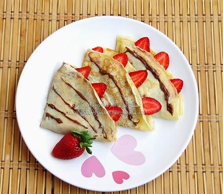 Nutella Strawberry Crepes كريب الفراولة والنوتيلا