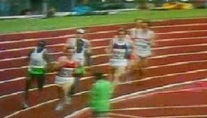 ΑΠΙΣΤΕΥΤΟ ΒΙΝΤΕΟ: Μην αφήσετε από τα μάτια σας τον αθλητή με το άσπρο καπέλο... [video]