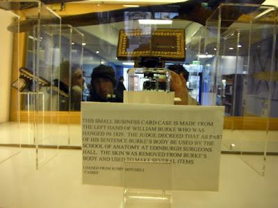 Historia de Burke y Hare, museo de la policia, cartera piel