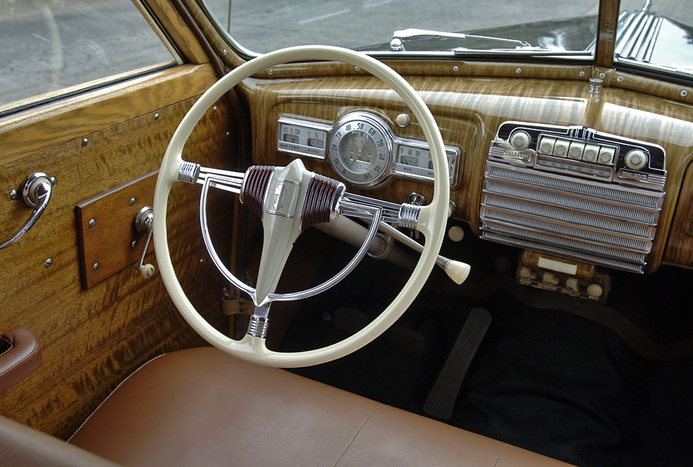 Cascadia Classic - Vintage cars in Portland Oregon: 1941 Pontiac Torpedo Woody Wagon