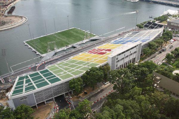 ملعب كرة قدم عائم على المياه يتسع لـ 30 ألف متفرج في سنغافورة !!!!!