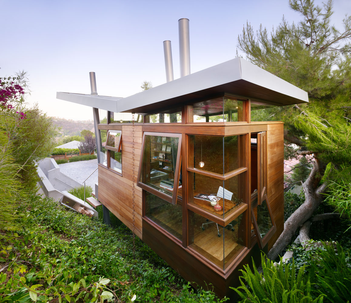 Beautiful modern treehouse design los angeles california for Modern tree house designs
