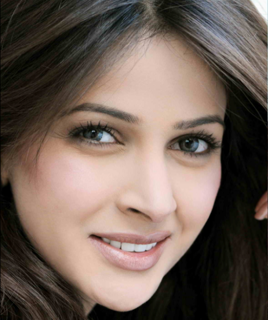 Saba Qamar Pakistani models Picture Profile1 - Showbiz Pic Of The Day 13 January 2014