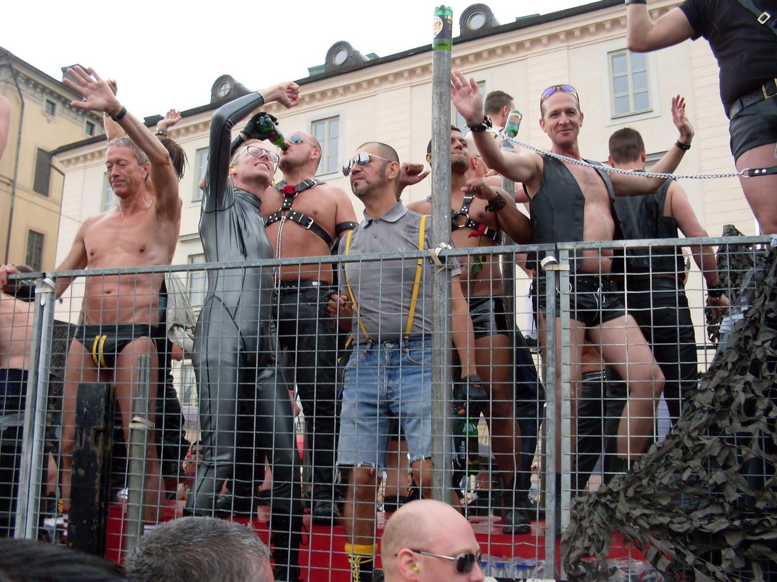 fest putsa naken i Stockholm