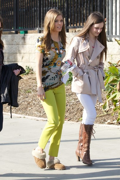 Annalynne Mccord Films '90210' (04/03)