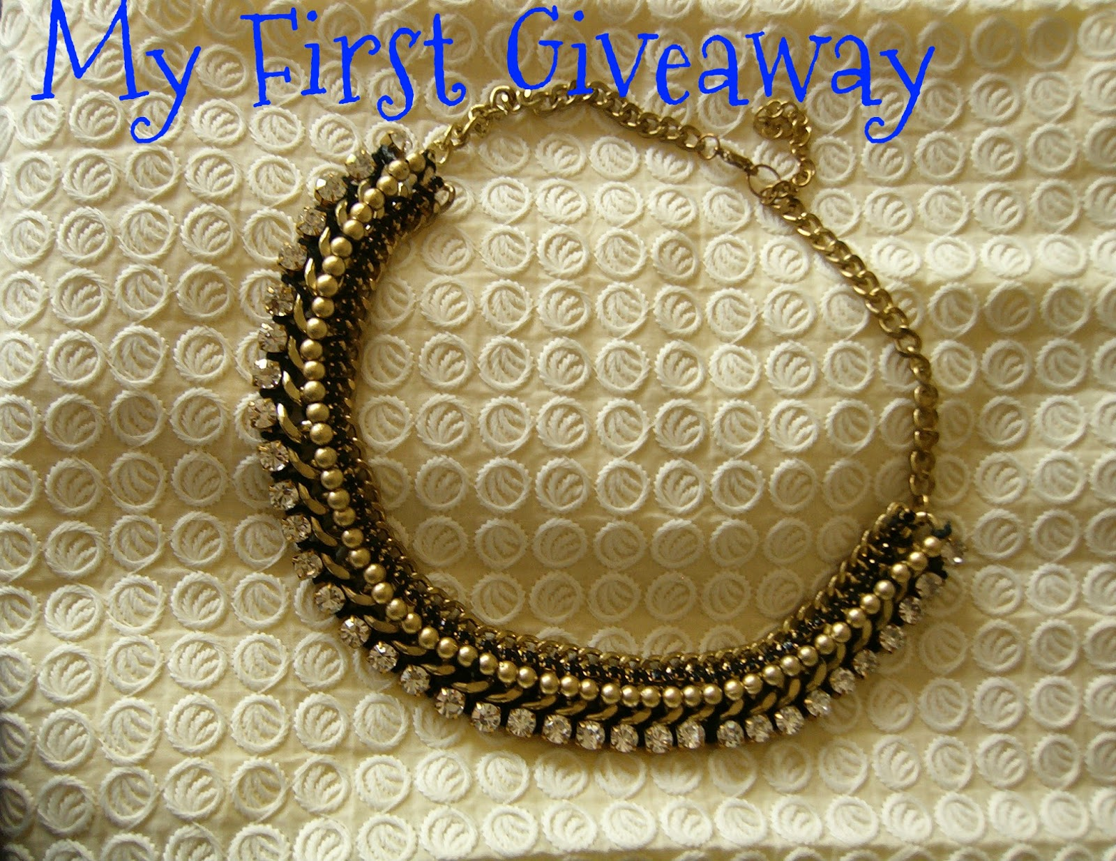 indian giveaway, giveaway, giveaway 2014, june giveaway, statement necklace, fashion blogger, fashion giveaway