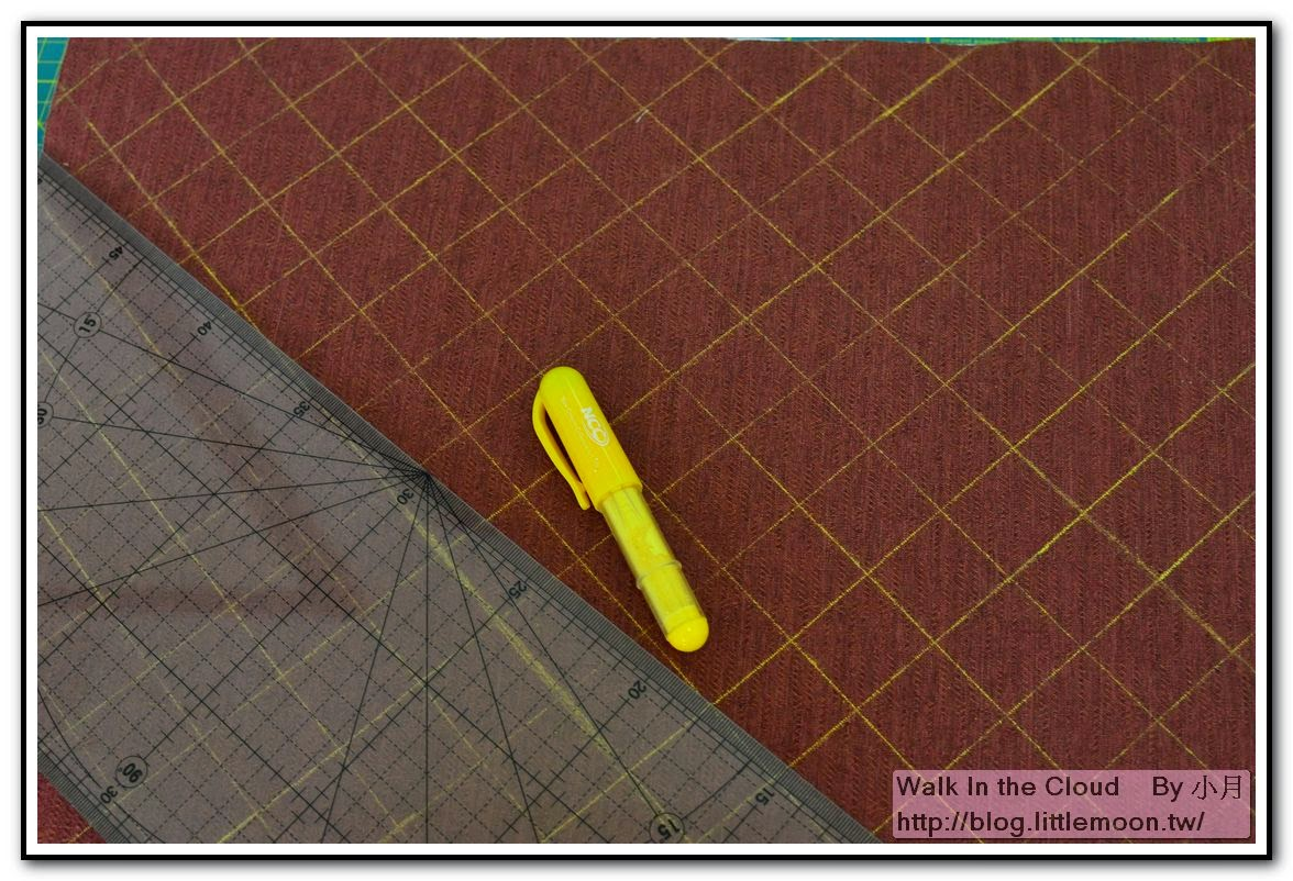 先以布尺畫好間隔3cm的方格