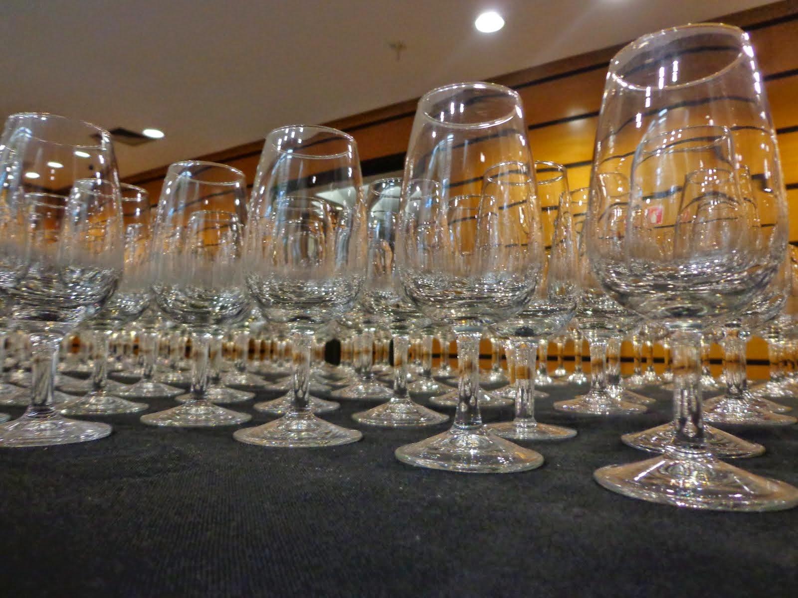 As taças ISO ou Tulipa são indicadas para a degustação de vinhos de qualquer estilo