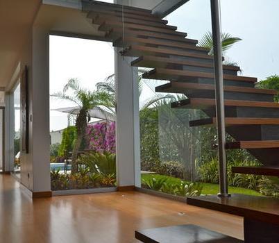 Fotos de escaleras escaleras disenos for Modelos de escaleras exteriores
