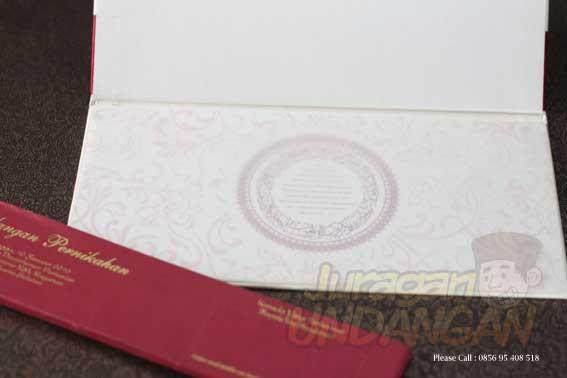 undangan Board dengan hiasan pita ikat dan amplop selop (HC02)