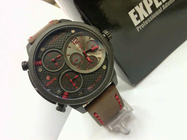 Expedition E6631 merah