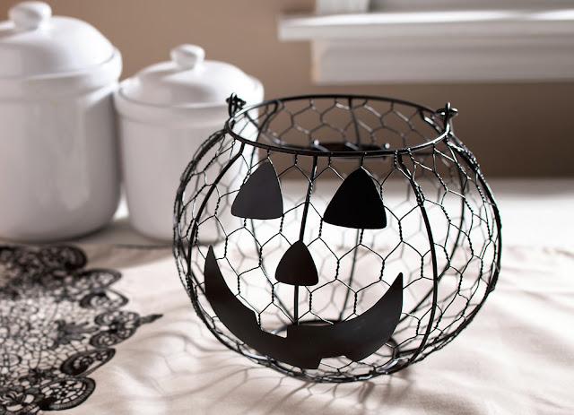 Hallmark Halloween - Jack-o'-Lantern Wire Basket