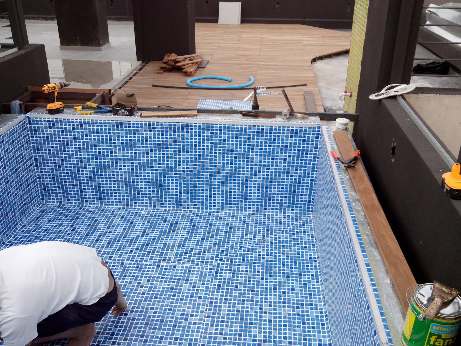 El castor contento madera ecol gica piscinas de for Piscina de natacion