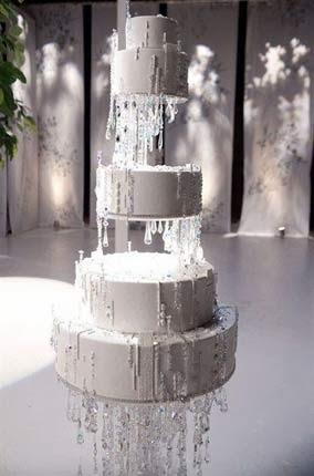 Bolo da festa de bodas de cristal em comemoração aos 15 anos de casados