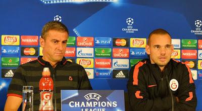 Sneijder: En zor zamanlarda birbirimize yardımcı olmamız gerekiyor..