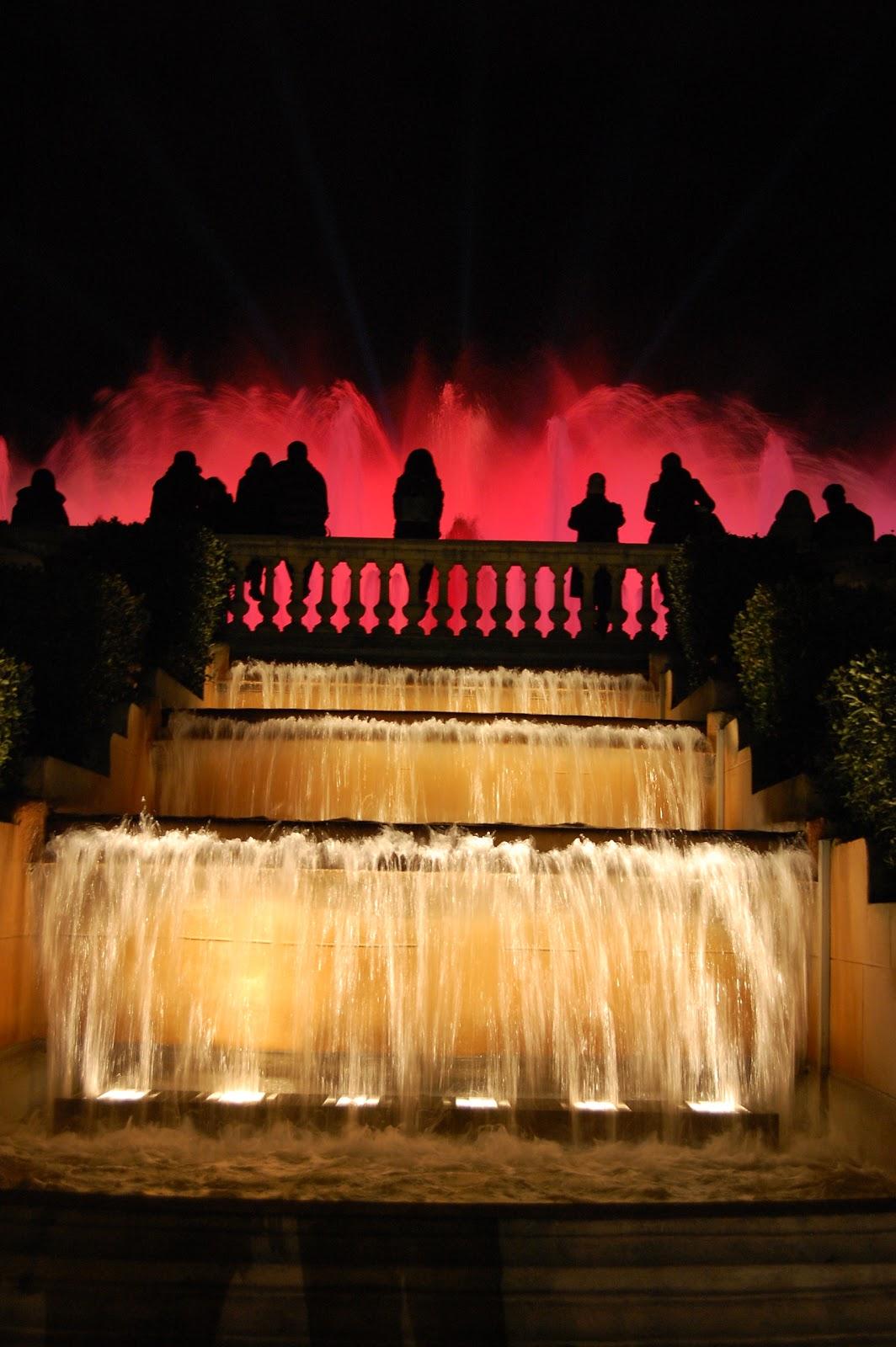 Barcelona como espect culo sdr 2011 la fuente m gica de for Espectaculo fuentes de montjuic