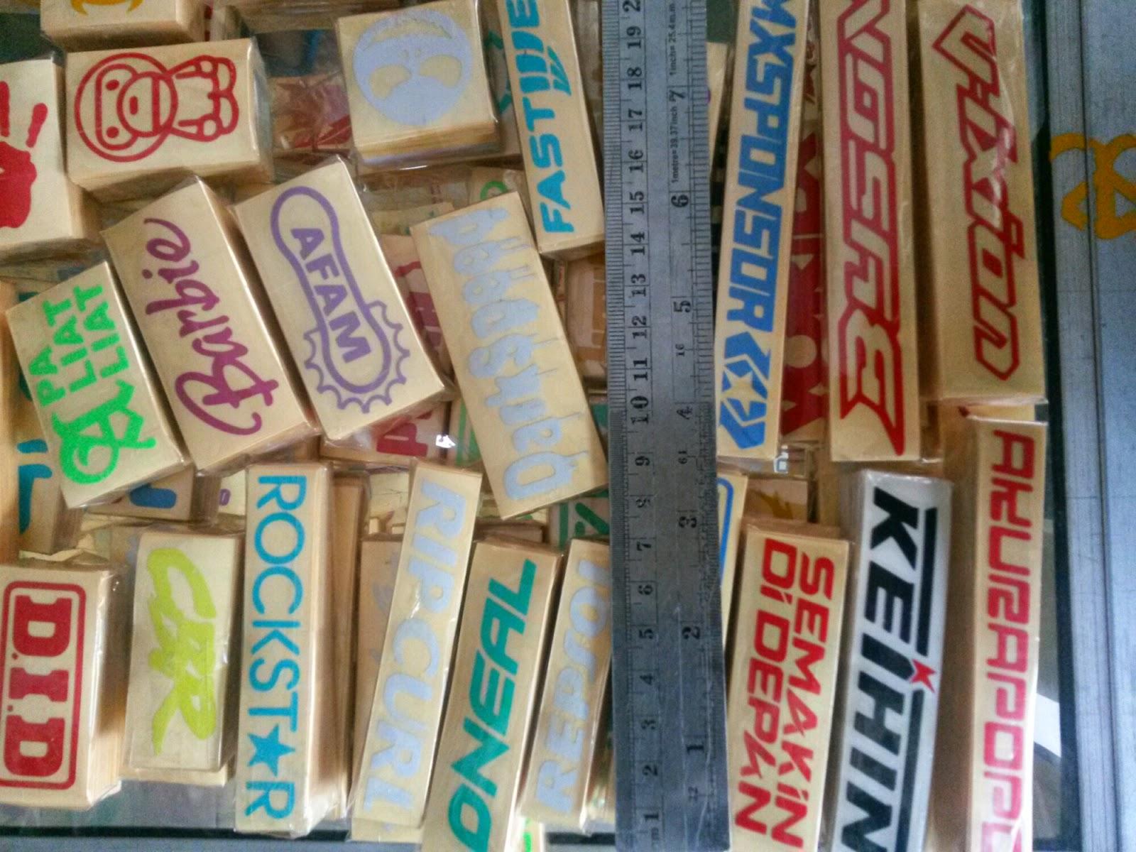 Cutting sticker stiker mobil branding jenis dan aplikasi stiker