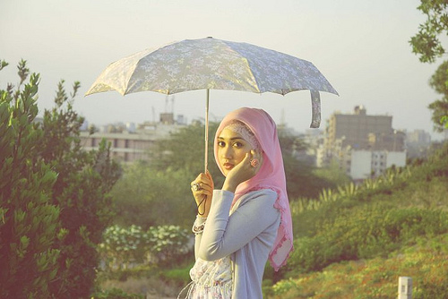 dengan merebaknya tren hijab di kalangan muslimah. Selain seorang