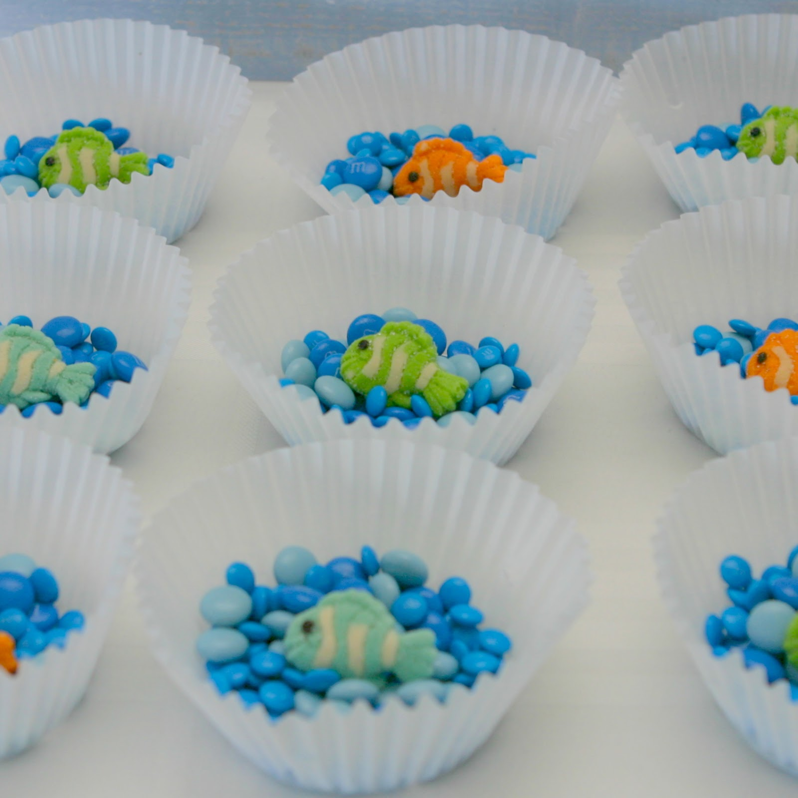 Max me max 39 s fish party for Fishing party favors