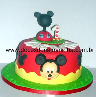 bolo decorado casa do Mickey Minnie Pluto Margarida Disney Baby